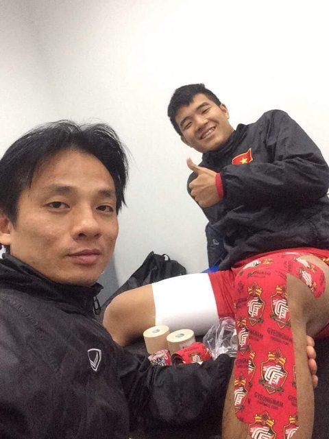 Bác sĩ đội tuyển U23 lần đầu tiết lộ hình ảnh chăm sóc các 'cầu thủ vàng' - 3
