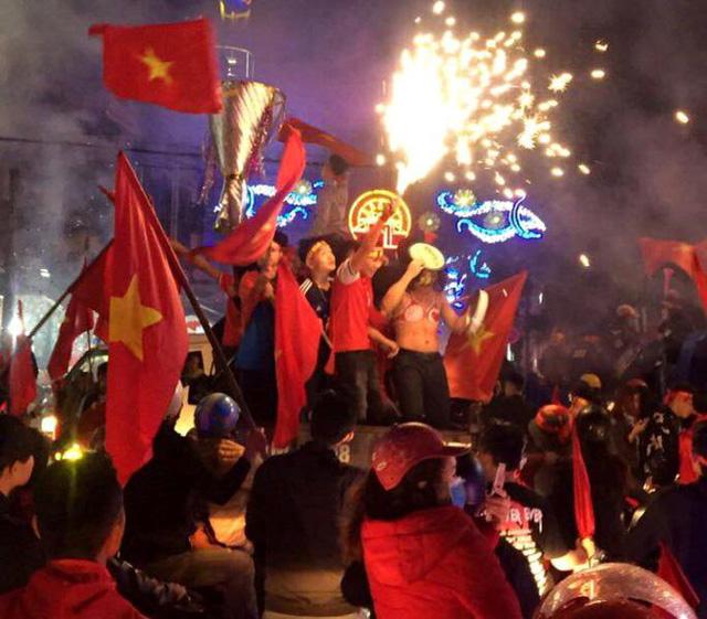 Lễ vinh danh 4 tuyển thủ U23 Việt Nam quê Hải Dương diễn ra như thế nào? - 3