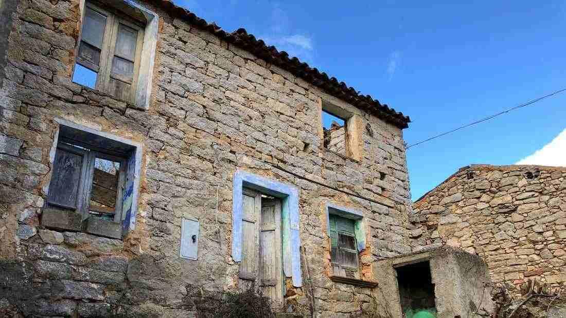 Thị trấn Ý rao bán nhà giá...1 USD - 2