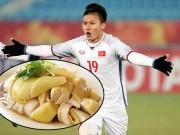Thịt gà luộc - Món ăn người hùng Quang Hải mê tít, đánh bay được cả con
