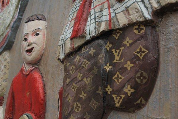 Cậu bé dân gian Việt diện đồ hiệu xa xỉ LV, Gucci khiến người dân thích thú - 3