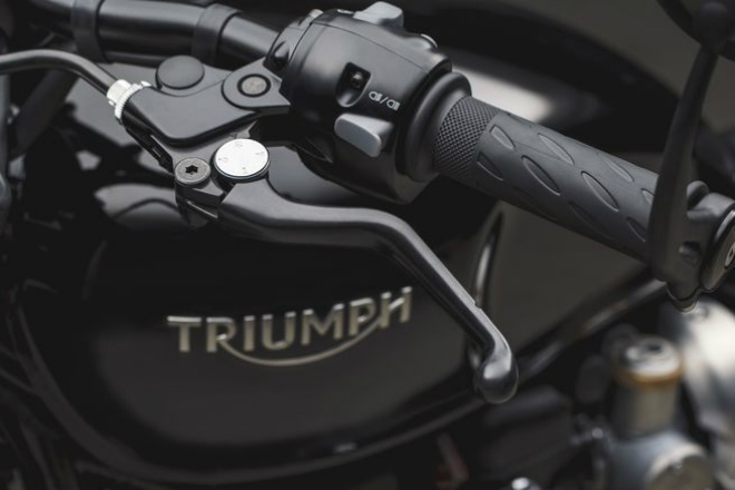Ngắm 2018 Triumph Bobber Black giá hơn nửa tỷ mới về Việt Nam - 7