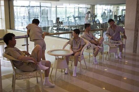 """Mục sở thị cuộc sống """"sang chảnh"""" của giới nhà giàu Triều Tiên - 8"""