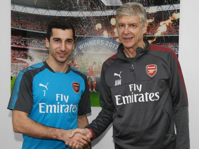 """Arsenal chi núi tiền: Sắp """"trảm"""" Wenger, thay bằng HLV thích ngoáy mũi - 3"""