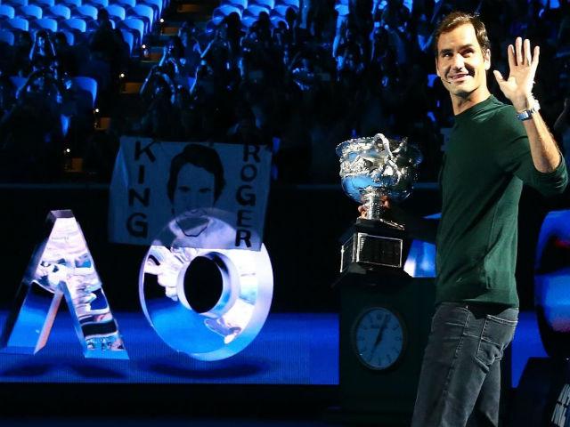 """Federer vô địch 20 Grand Slam ngớ người: Bị nữ nhà báo """"sàm sỡ"""" - 3"""