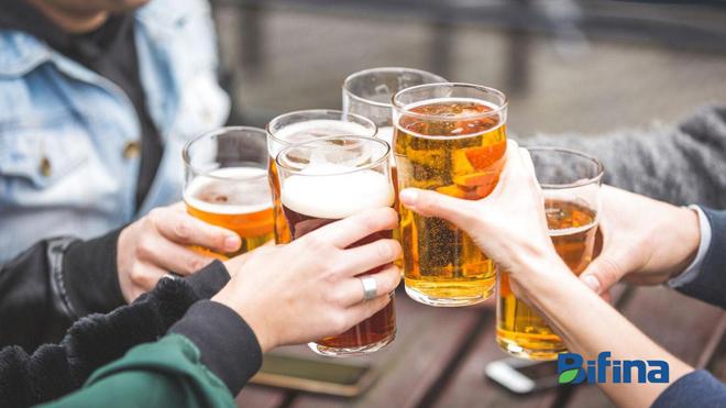 Thường xuyên uống rượu bia, người Nhật bảo vệ đại tràng bằng cách nào? - 1