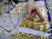 Tài chính - Bất động sản - Vàng nội đảo chiều, rẻ hơn vàng ngoại gần 300.000 đồng