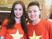 Đông Nhi vui sướng khi gặp HLV Park Hang Seo và cầu thủ Quang Hải U23VN