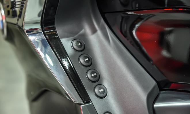 2018 BMW K1600B giá hơn 1 tỷ đồng, nhìn là mê ngay - 3