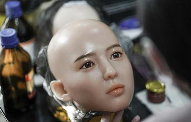 Bên trong nhà máy sản xuất búp bê tình dục giống người ở TQ - 5