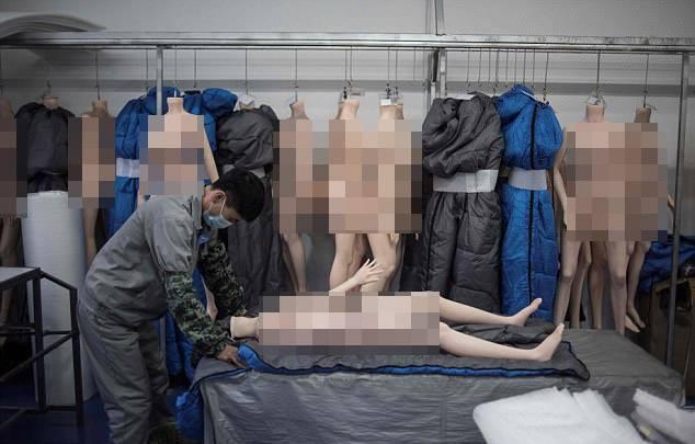 Bên trong nhà máy sản xuất búp bê tình dục giống người ở TQ - 2