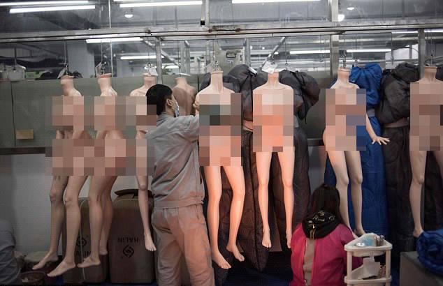 Bên trong nhà máy sản xuất búp bê tình dục giống người ở TQ - 1