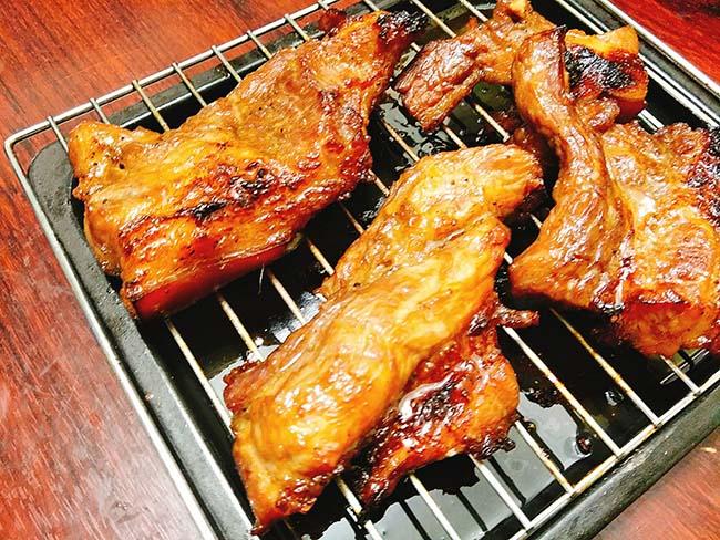 Thịt xá xíu đậm đà, vàng óng ả càng ăn càng nghiện - 7