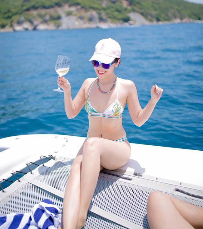 Em gái Hà Anh hay Mai Phương Thúy mặc bikini nóng bỏng nhất? - 3