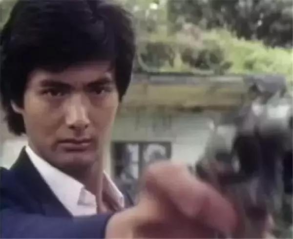 4 lần hiếm hoi đóng vai ác trên màn ảnh của tài tử khét tiếng Hoa ngữ - 3