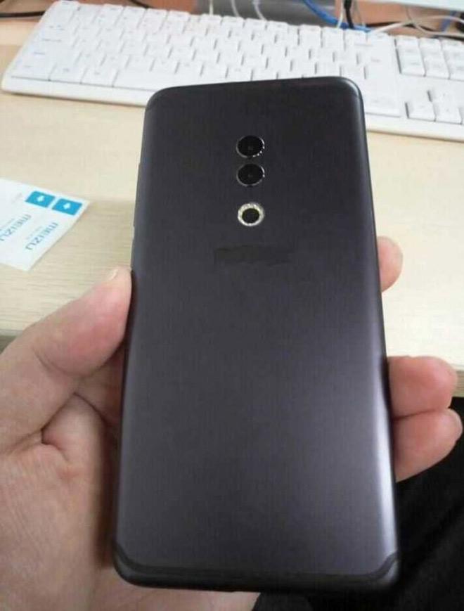 iPhone X thua xa Meizu 15 Plus cùng bòn kế rành mùng hình, chẳng còn tai thỏ - 2