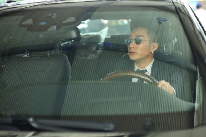 Cận cảnh xe sang gần 8 tỷ đồng của nam ca sĩ Quang Hà - 4