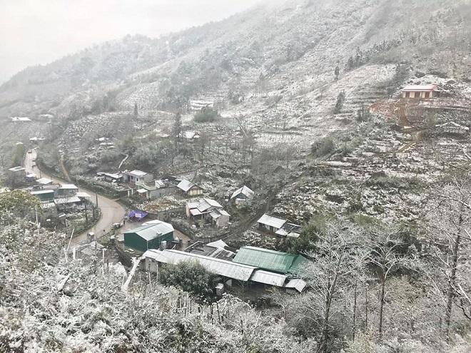 Mưa tuyết trắng trời có thể xảy ra ở Y Tý và Sa Pa vào đêm nay - 1