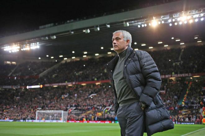Tin HOT bóng đá tối 4/2: Mourinho chán ngán với không khí ở Old Trafford - 1