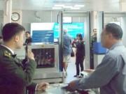 An ninh Xã hội - Nghi can cướp tài sản bị bắt khi dùng giấy tờ giả đi máy bay