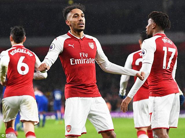 """Arsenal mở hội, Mkhitaryan lập """"hat-trick"""": Wenger hả hê với Mourinho - 2"""
