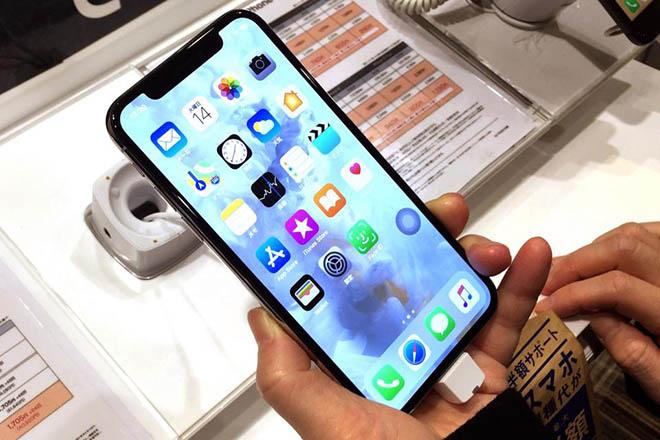 CHÍNH THỨC: Apple thừa dấn điều tra lỗi khiến iPhone X chậm trả lời cá đòi - 1