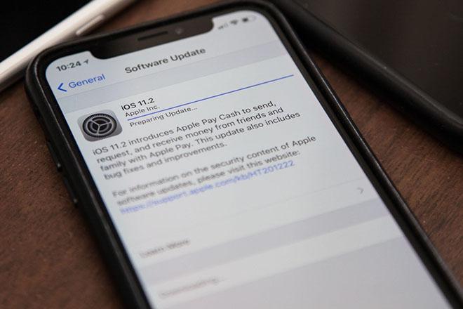 CHÍNH THỨC: Apple thừa dấn điều tra lỗi khiến iPhone X chậm trả lời cá đòi - 2