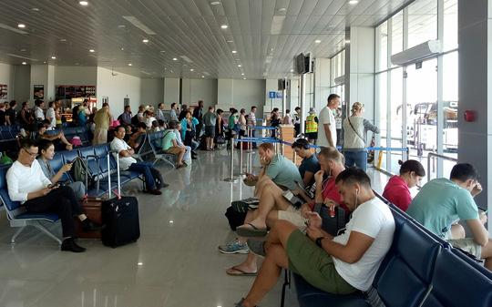 Vé máy bay Tết: Hầu hết cạc chuyến bay đều đang nơi - 1