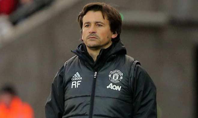 Mourinho và người trợ lý bí ẩn: HLV trưởng tương lai của MU? - 3