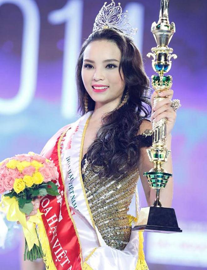 Dàn Hoa hậu Việt Nam quá khác lạ sau đăng quang! - 11