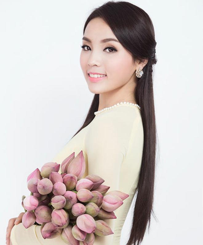 Dàn Hoa hậu Việt Nam quá khác lạ sau đăng quang! - 15