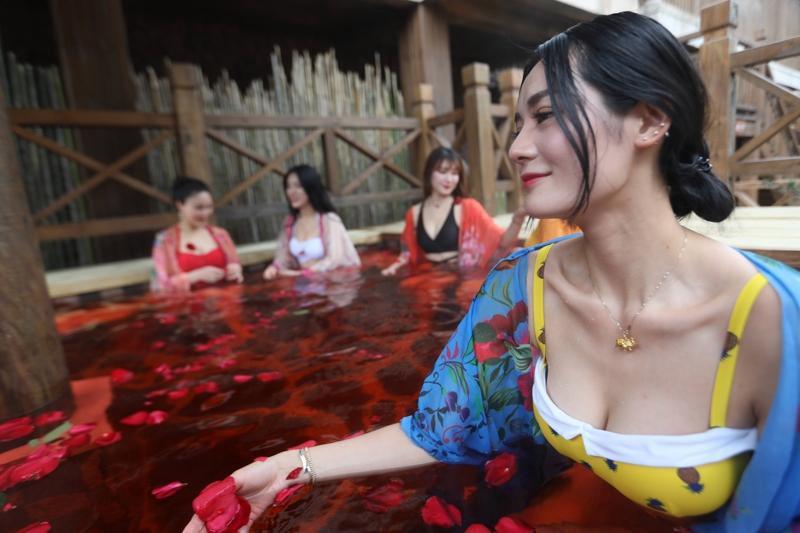 3 cuộc thi Hoa hậu Vòng 1 gây chú ý ở Trung Quốc, Nhật Bản - 6