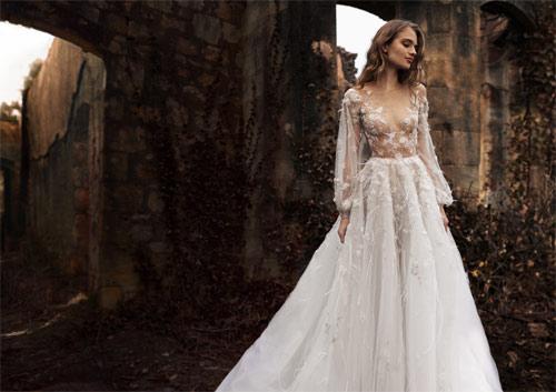 Ngã ngửa vì những cô dâu mặc váy cưới như ở trần - 3