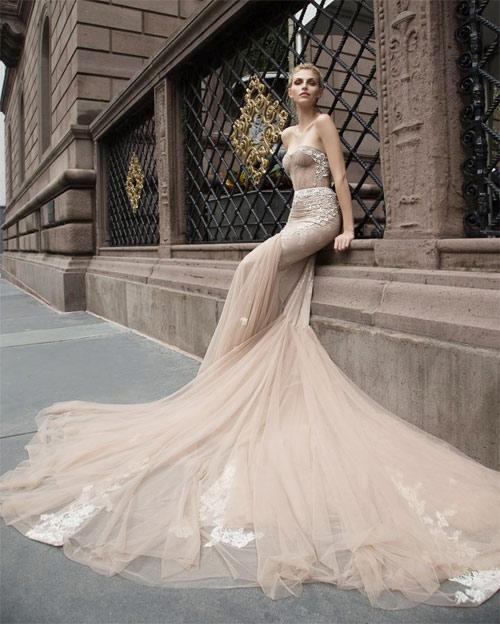 Ngã ngửa vì những cô dâu mặc váy cưới như ở trần - 9