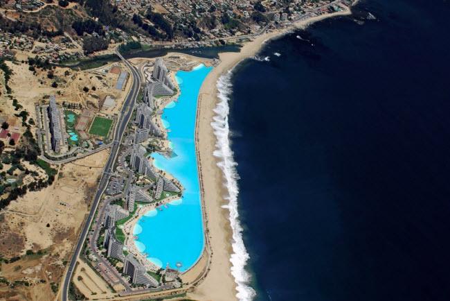 Ngoạn mục bể bơi lớn nhất thế giới ở Chile - 7