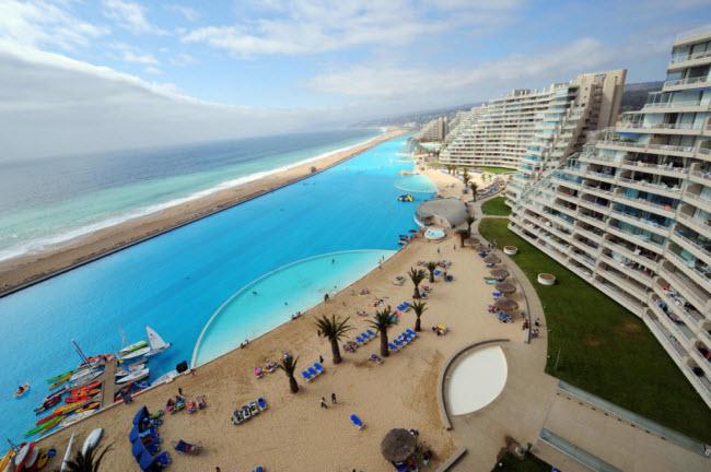 Ngoạn mục bể bơi lớn nhất thế giới ở Chile - 9