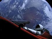 Tên lửa của Elon Musk đem chiếc Tesla Roadster đầu tiên vào vũ trụ