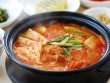 Món kim chi hầm thịt thơm ngon đánh bay cơm trong mùa Đông