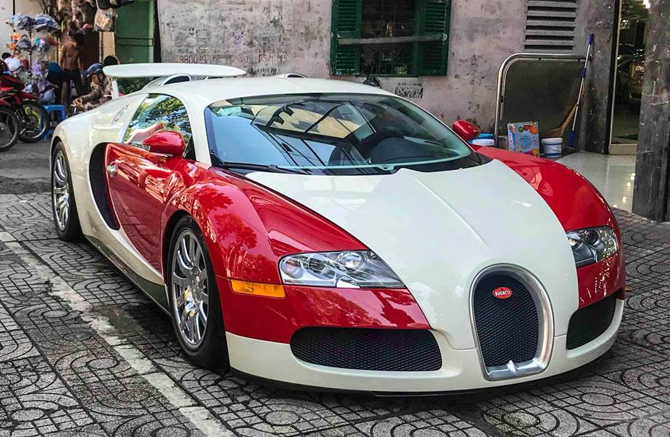 Bugatti Veyron độc nhất Việt Nam bất ngờ lộ diện tại Sài Thành - 1