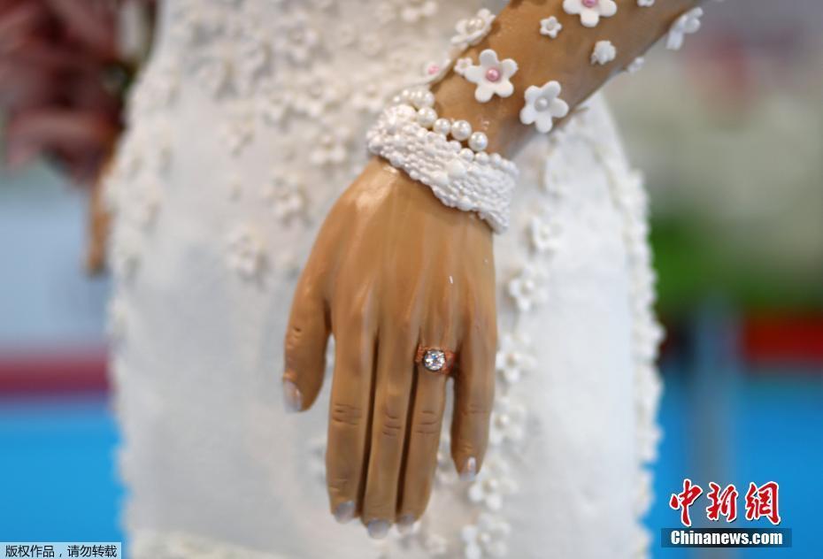 """Ngắm """"cô dâu"""" cầm xoàn ăn đặt, trị ví 22,6 tỷ đồng duy nhất chỉ có ở Dubai - 3"""