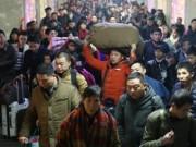"""Thế giới - Hàng triệu người Trung Quốc không """"thèm"""" về quê ăn Tết"""