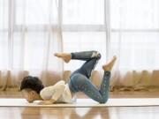 Cậu nhóc tự kỷ 7 tuổi kiếm hàng trăm triệu nhờ dạy yoga
