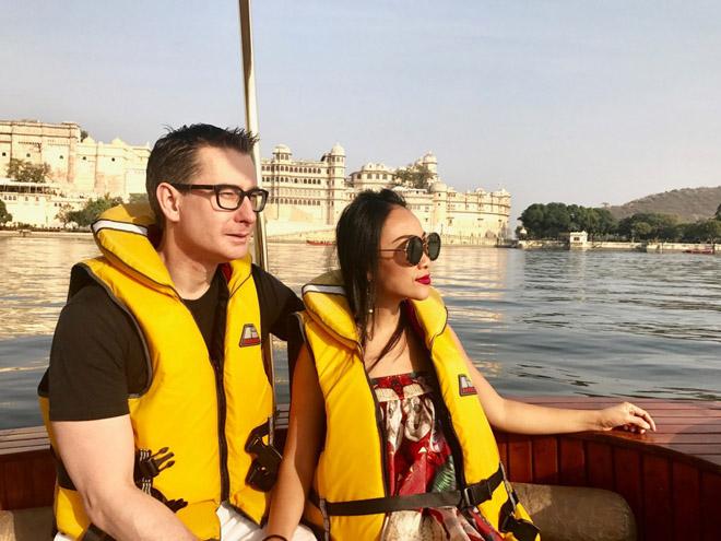 Vợ chồng Đoan Trang đón lễ tình nhân xa hoa tại Ấn Độ - 1