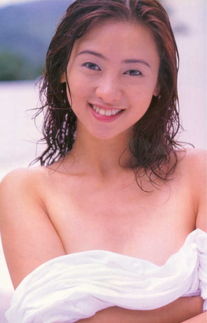 Bất ngờ cuộc sống của Hoa hậu chuyên đóng phim 18+ sau 20 năm - 2