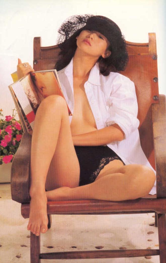 Bất ngờ cuộc sống của Hoa hậu chuyên đóng phim 18+ sau 20 năm - 9