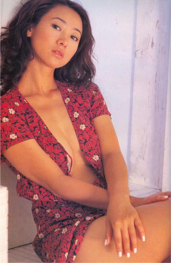 Bất ngờ cuộc sống của Hoa hậu chuyên đóng phim 18+ sau 20 năm - 12