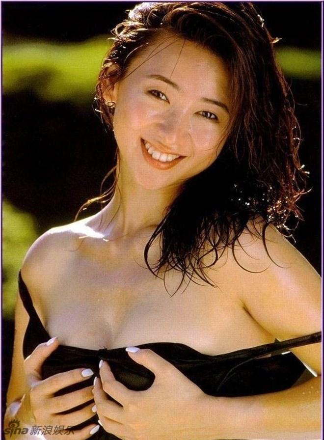 Bất ngờ cuộc sống của Hoa hậu chuyên đóng phim 18+ sau 20 năm - 6