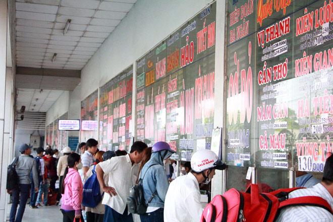 Người miền Tây rồng rắn rời Sài Gòn về quê đón Tết - 8