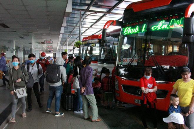 Người miền Tây rồng rắn rời Sài Gòn về quê đón Tết - 5