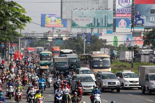 Người miền Tây rồng rắn rời Sài Gòn về quê đón Tết - 1